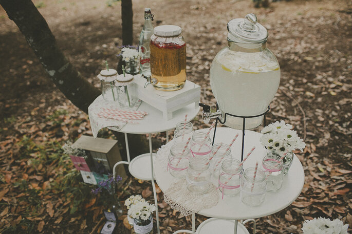 Inmitten der Natur eine spontane, aber grandiose Hochzeitdeko verwirklichen! Foto: Ravelo Inspiración