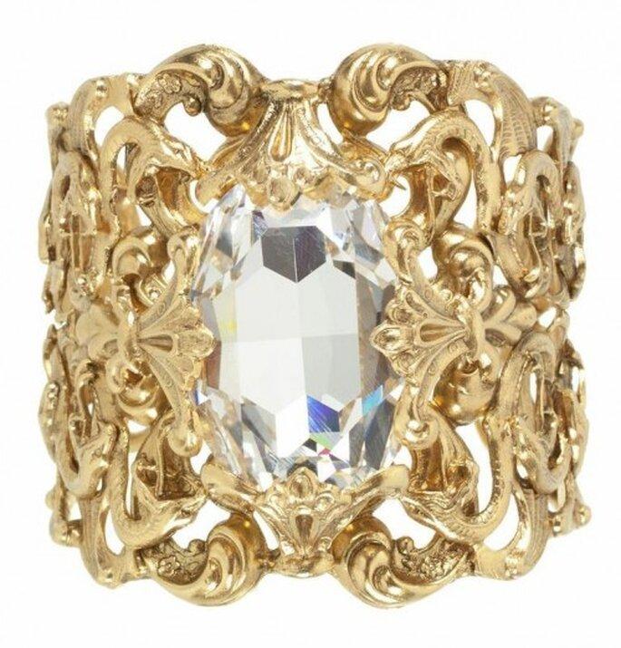Brazalete en color oro inspirado en el barroco con incrustación de cristal claro - Foto Virgins Saints & Angels