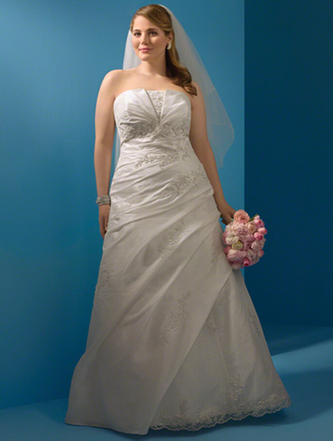 Style 2082W by Alfred Angelo