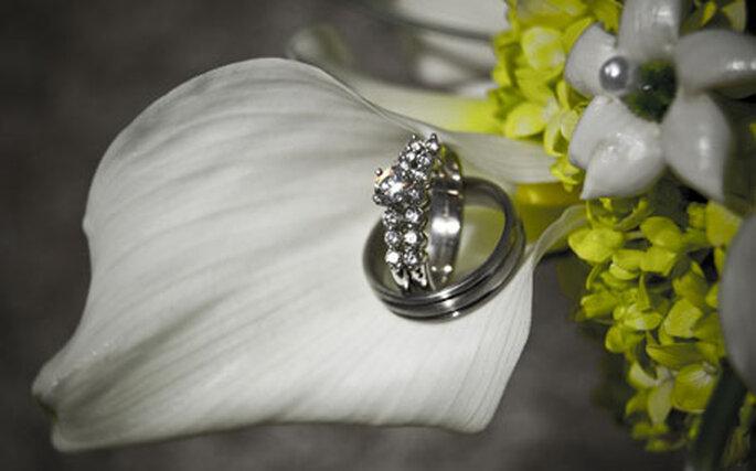 Le choix de la bague revient traditionnellement au fiancé ou à sa famille