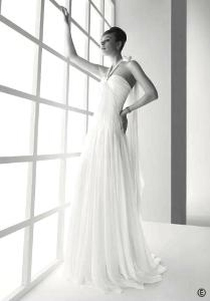 Rosa Clará 2009 - 140, Lombardía, vestido de gasa plisado a mano