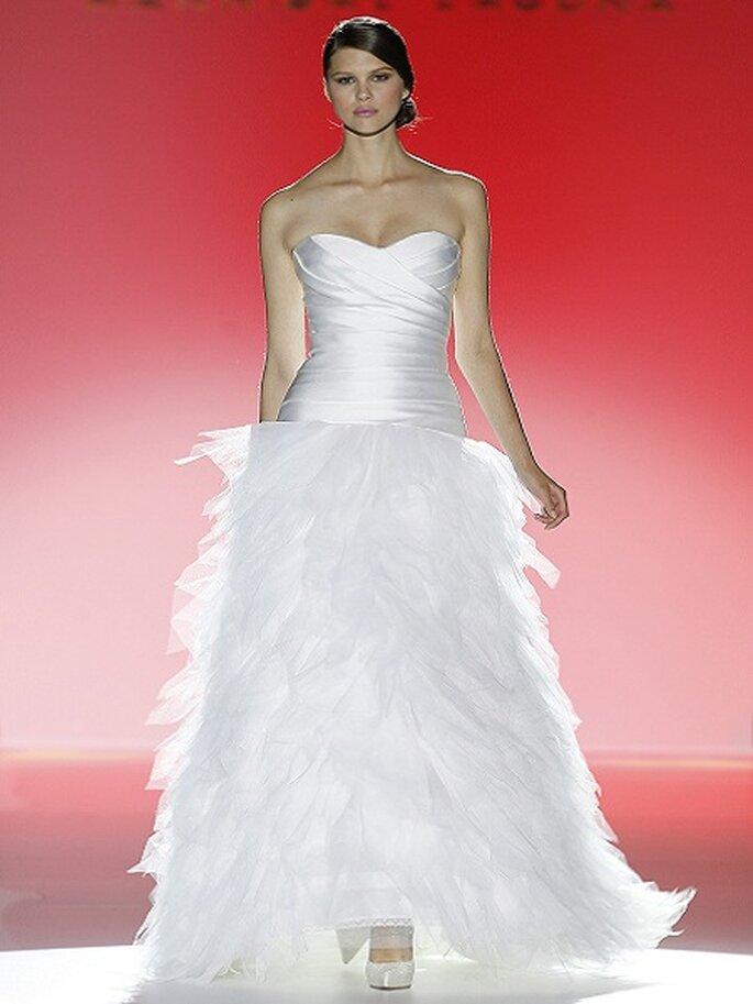 Brautkleider mit viel Tüll aus den Kollektionen von 2013 Foto Ugo Camera Kolletktion Hannibal Laguna