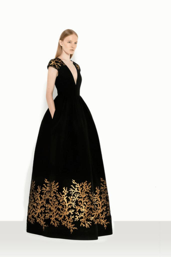Vestido de fiesta con estampados estilo barroco - Foto Andrew GN
