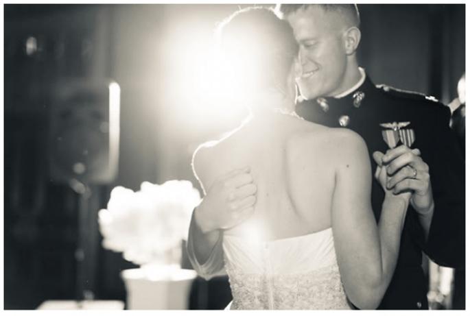 El primer baile de los novios - Foto Erin Hearts Court