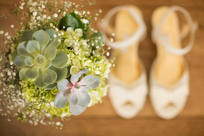 sapato-e-buque-da-noiva-casamento-moderno