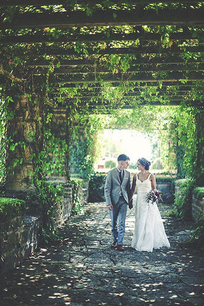 budget 8000$ via Intimate Weddings