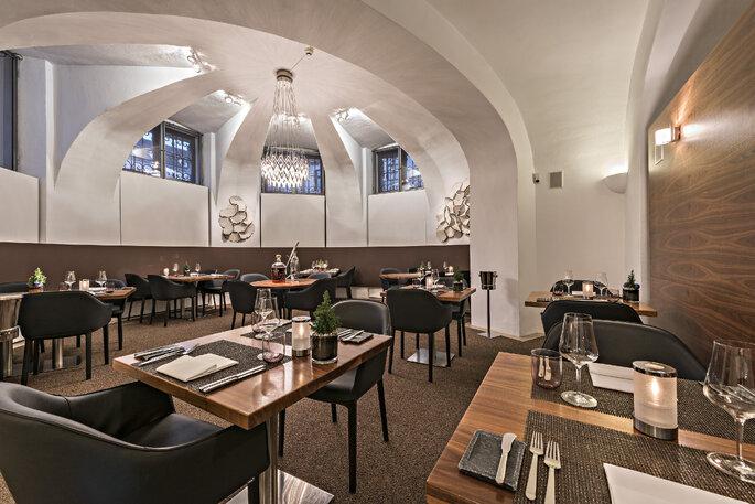 die besten restaurants f r hochzeiten in m nchen geheimtipps aus der bayerischen hauptstadt. Black Bedroom Furniture Sets. Home Design Ideas
