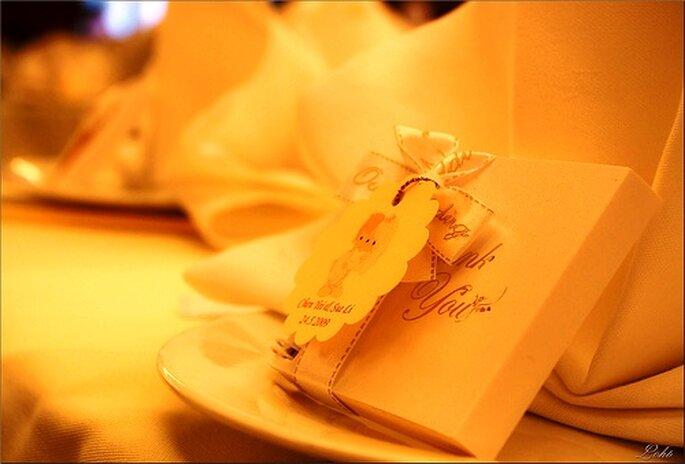 Sehr schick: Tischdekoration in Beige - Foto: Lohb, flickr