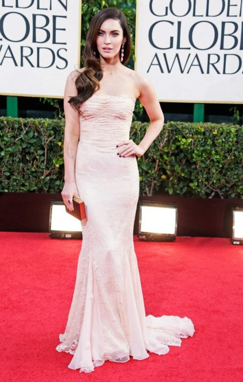Megan Fox con un vestido Dolce & Gabbana en los Golden Globes 2013 - Foto Dolce & Gabbana Facebook