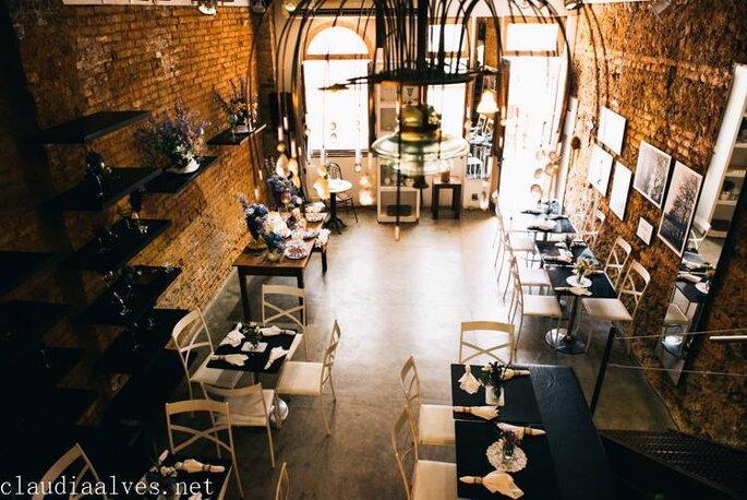 deck jardim bar niterói:Como fazer um Mini Wedding rústico inesquecível em Niterói: com o