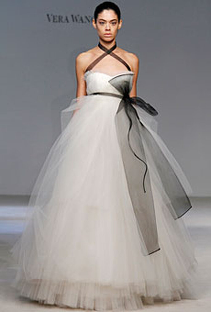 Vera Wang Fall 2010 Collection with black tie around neck and waist