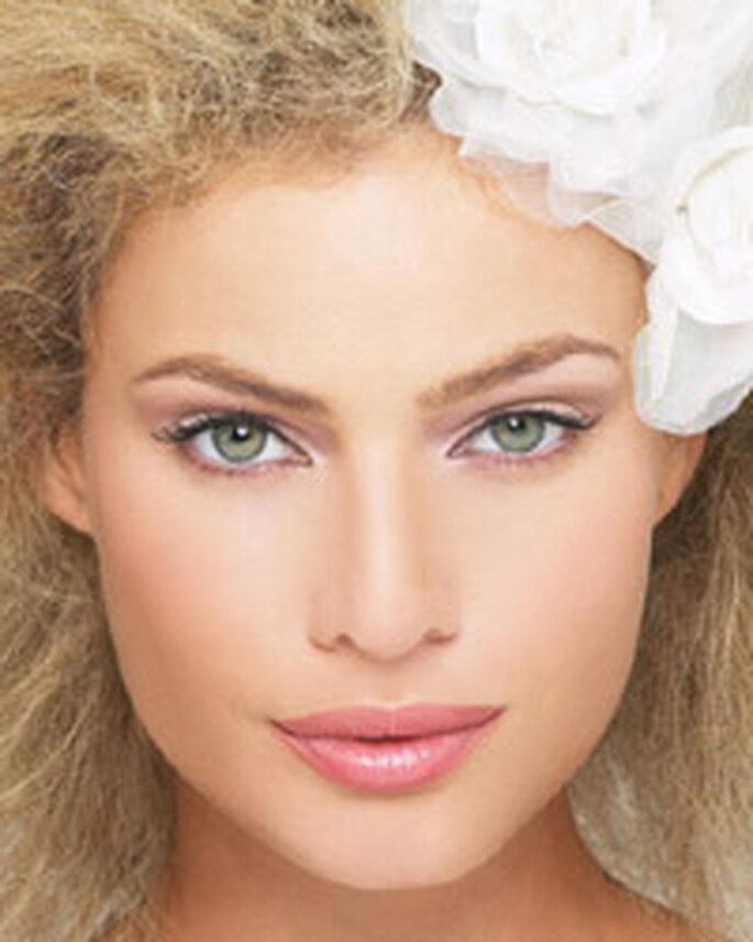 photo maquillage mariee blonde yeux bleu