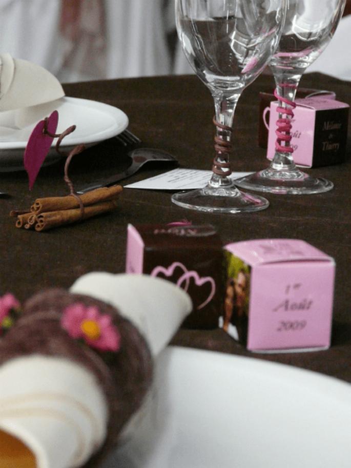 Ces cadeaux d'invités feront sensation sur vos tables de mariage. - Photo : Chocolat de Mariage