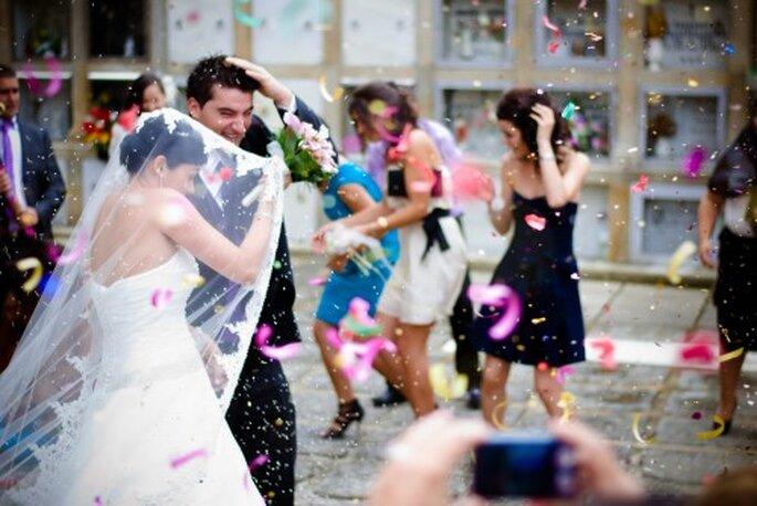 Lanza confeti para bodas. Foto Javier Bauzas