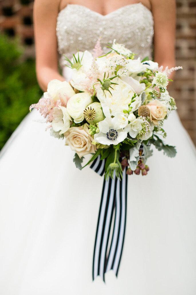 El blanco y negro presente en tu bouquet de novia - Foto Robyn Van Dyke Photography