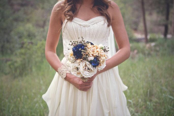 Un vestido sencillo y delicado es una buena opción para elegir. Foto: B&E Photographs