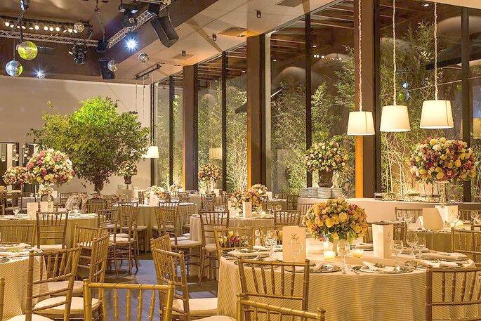 O luxuoso espaço de eventos já nasceu com objetivo de tornar seu casamento um evento inesquecível.