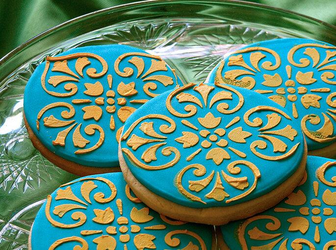 Elegantes galletas en turquesa y dorado. Foto: Whipped Bakeshop