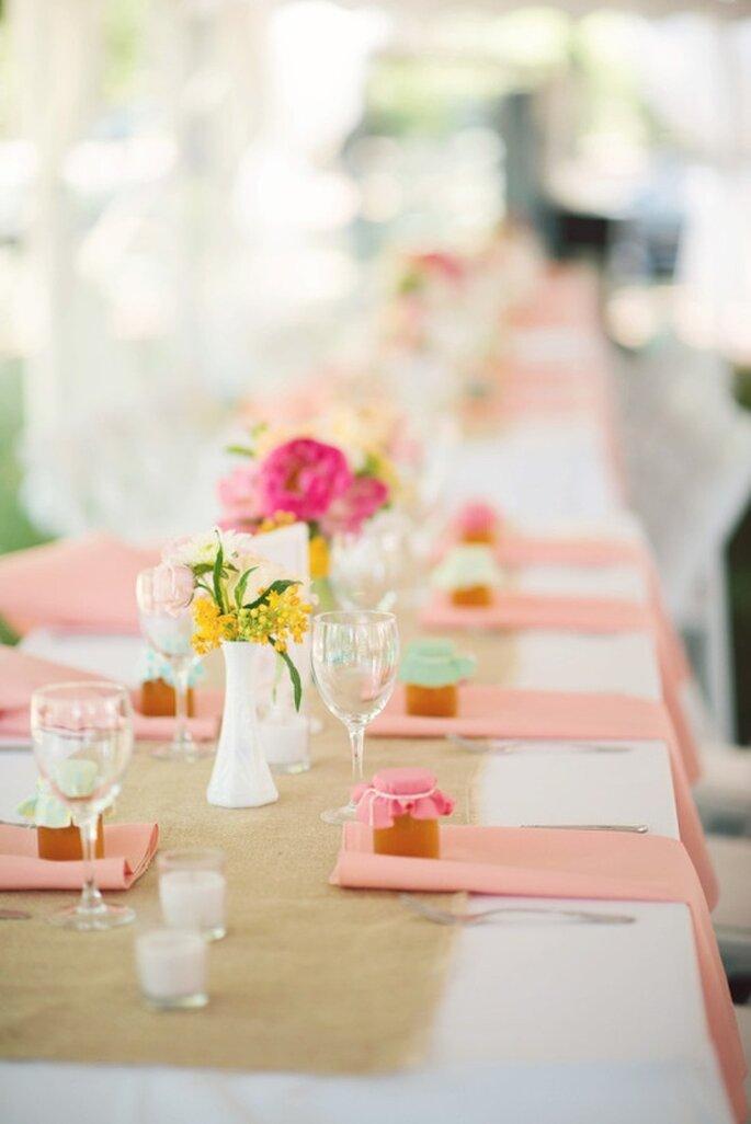 Colores neutros y sin muchos detalles en una boda minimalista - Foto Gina Christine Photography