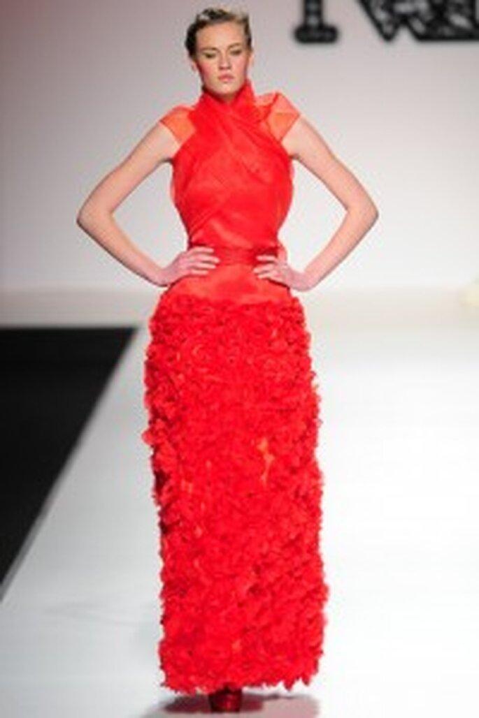 Model Novias 2011. Vestido rojo.