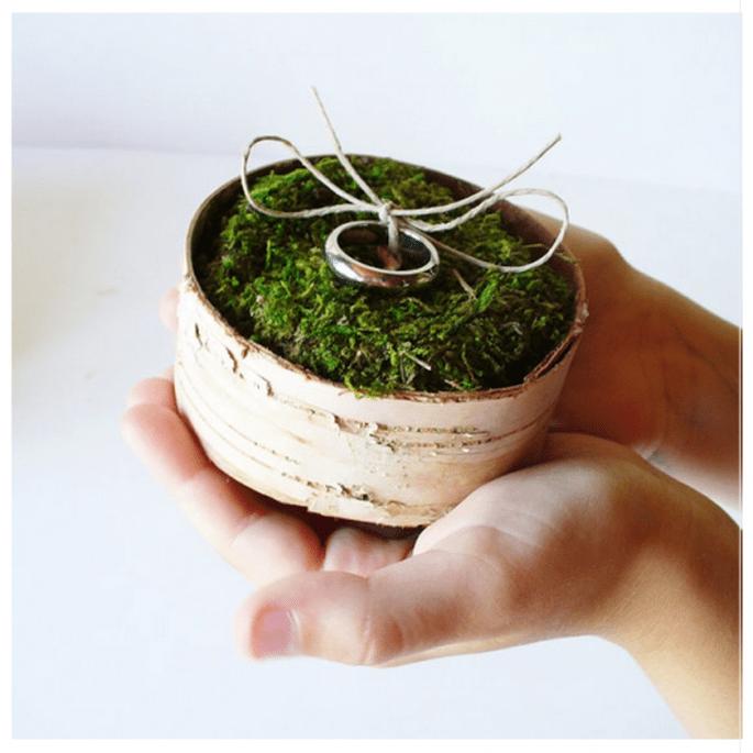 porta anillos hecho con plantas - Foto Etsy
