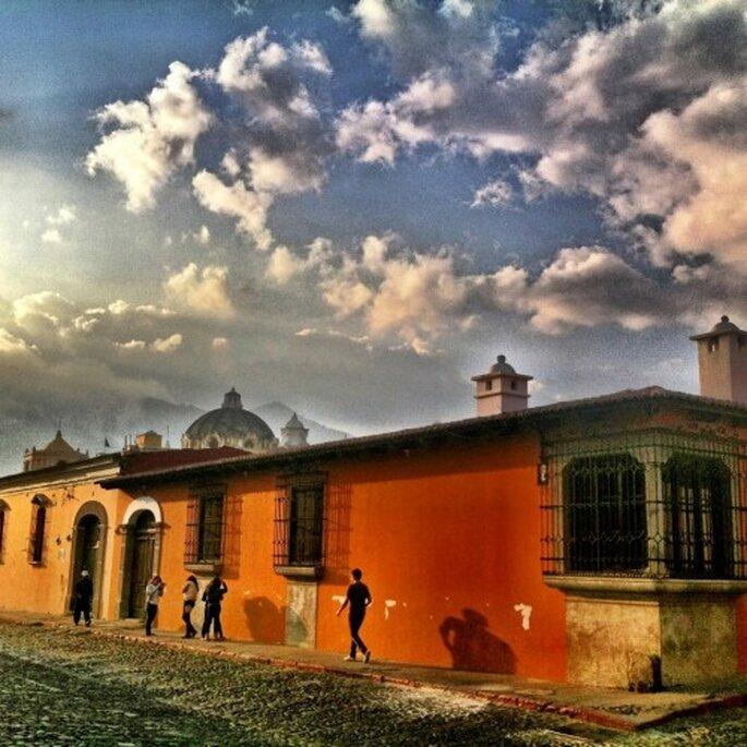 Mucha historia, callejones y actividades divertidas en tu luna de miel - Foto Antigua Guatemala Facebook