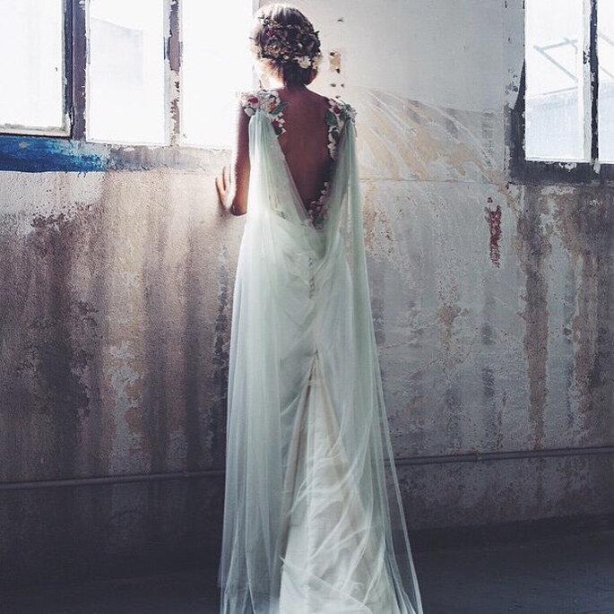 vestido-novia-flores-bordadas-sole-alonso
