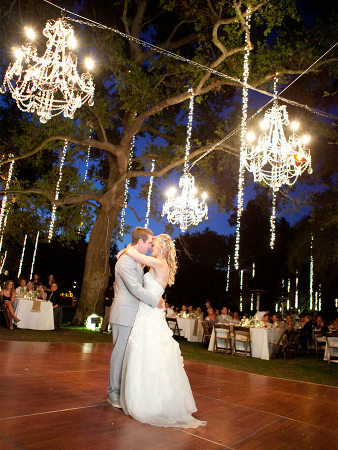 Decoración de boda con elegantes candelabros - Foto Picotte Photography