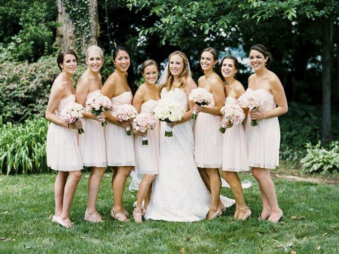 6 tips infalibles para elegir a tus damas de boda - Foto Krista A. Jones