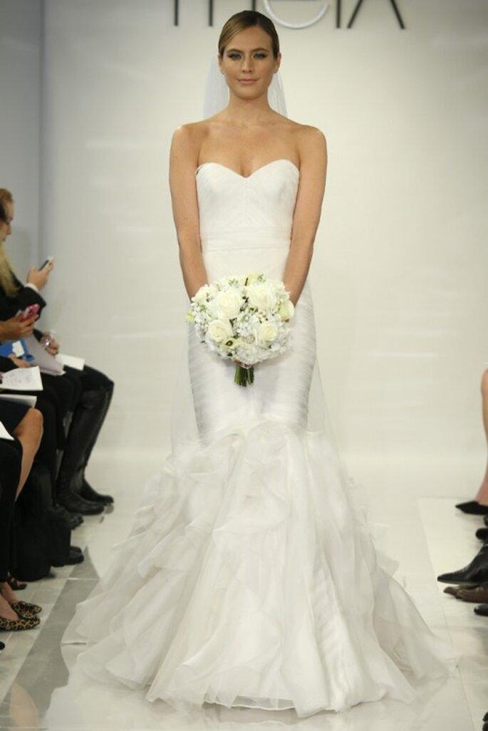 Vestido de novia 2014 corte sirena con escote corazón y falda voluminosa - Foto Theia