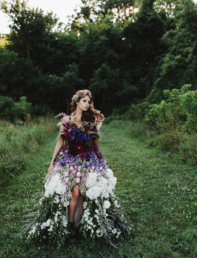 Платье из натуральных цветов