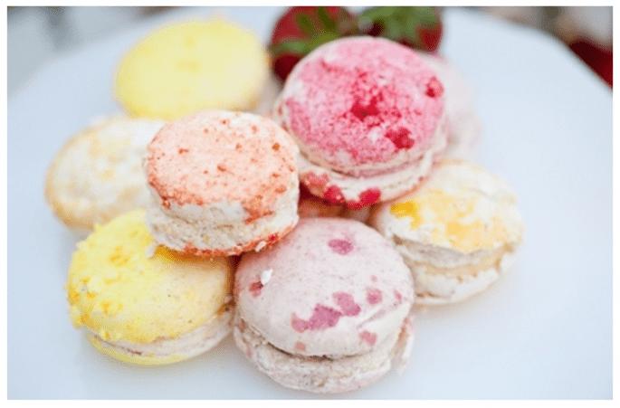 Macarons como postre para tu banquete de bodas - Foto Murray Photography
