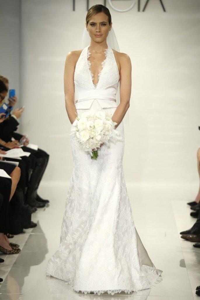 Vestido de novia 2014 con cuello halter y falda con cauda larga - Foto Theia