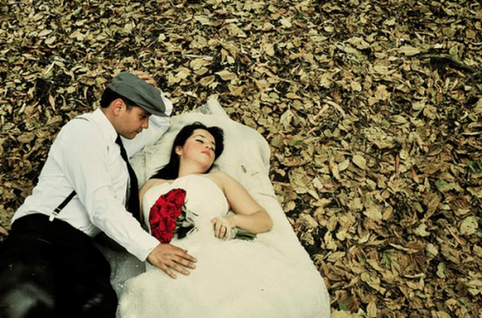 Detalles vintage y un ambiente muy romántico en la sesión de fotos Trash the Dress - Foto Casa Fragma