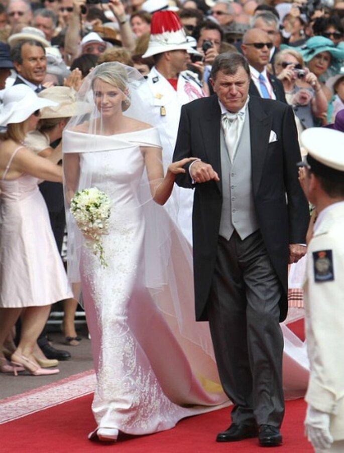 Robe de mariée de Charlene créée par Armani - Hola