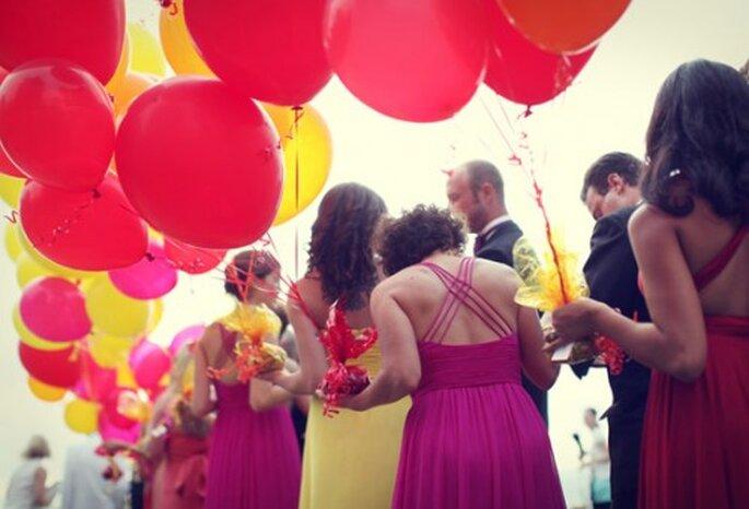 Globos para tus invitados durante la boda - Foto Michèle M. Waite en Inspired By This