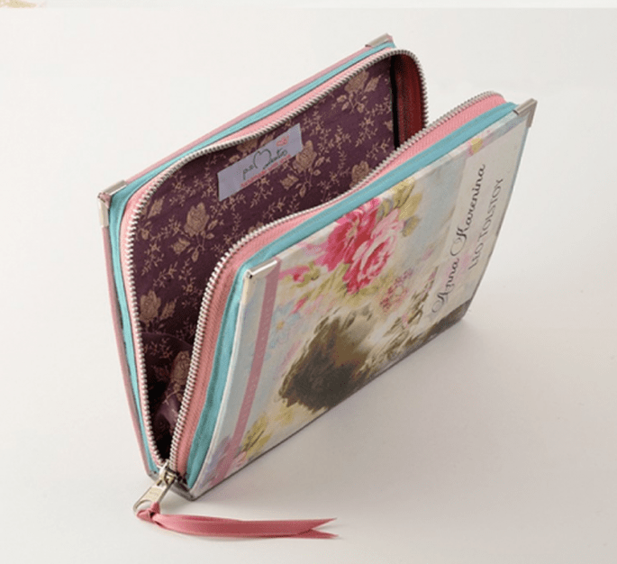 Bolso de fiesta con forma de libro de diseño femenino - Foto PS Besitos