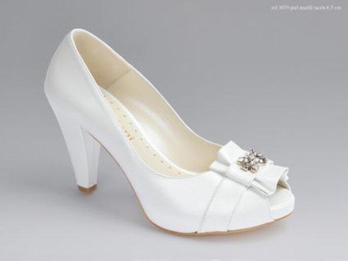 Zapatos de novia Doriani 2011 - Piel Marfil - Tacón 5 cm.