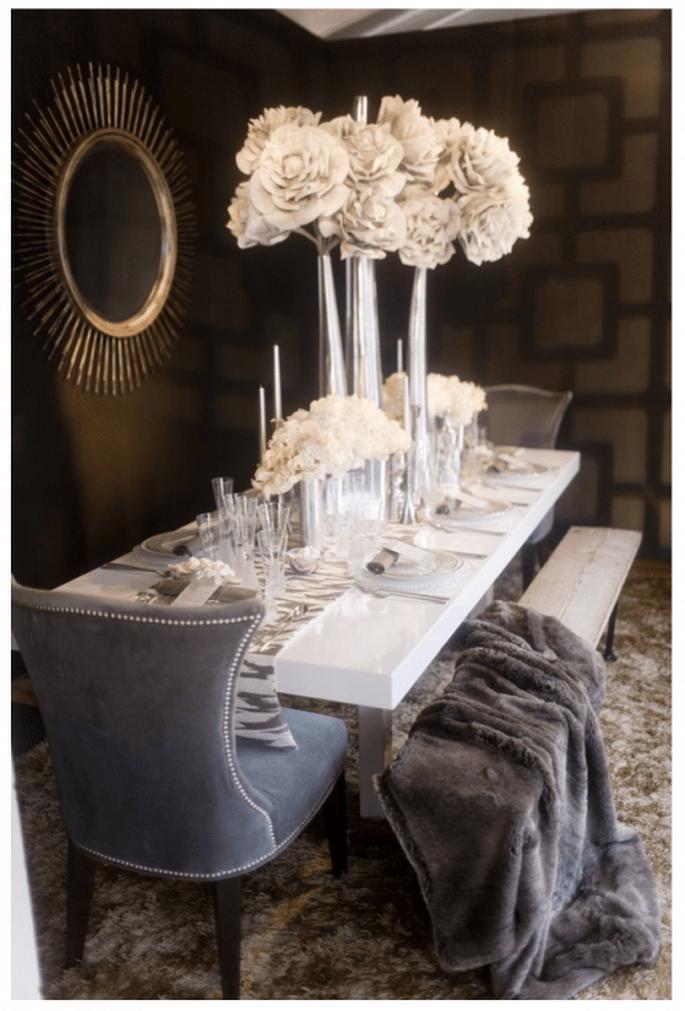Elige una ambientación muy glam para tu fiesta de compromiso - Foto Jessica Claire