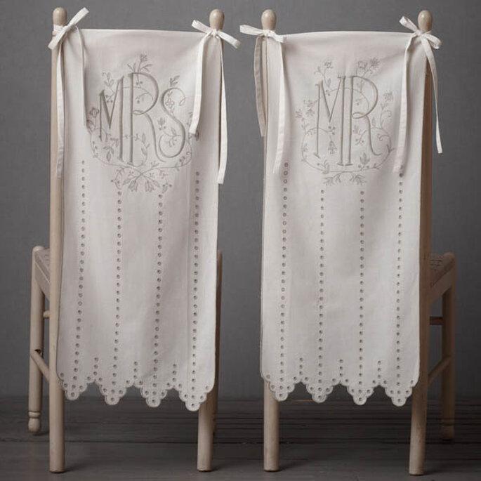 Decoraciones súper originales para las sillas de tu boda - Foto BHLDN