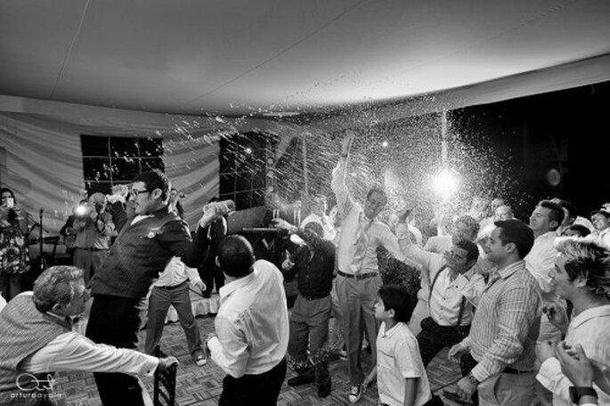 En blanco y negro o a color, elige la fotografía artística para bodas - Foto Arturo Ayala