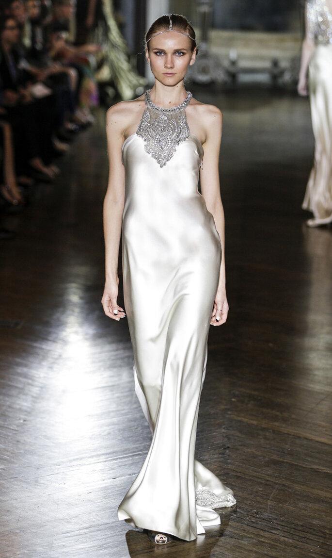 Vestido de novia con lindas joyas incorporadas - Foto Johanna Johnson