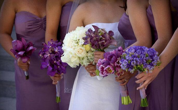Sposa total white e damigelle in lilla: originale, no?