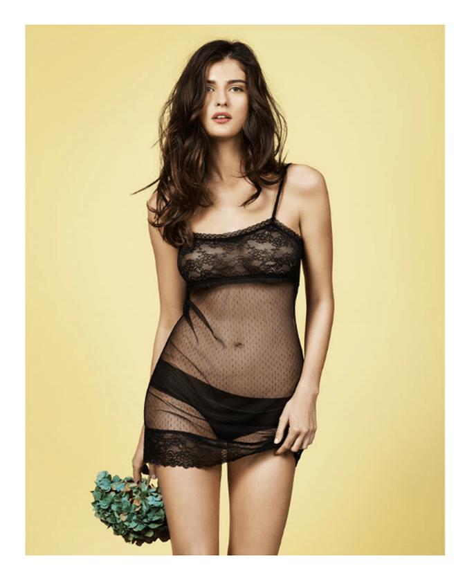 conjunto de lencería para novia en color negro con transparencias - Foto Women's Secret