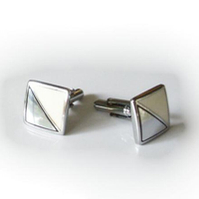 Boutons de manchette en métal argenté et blanc