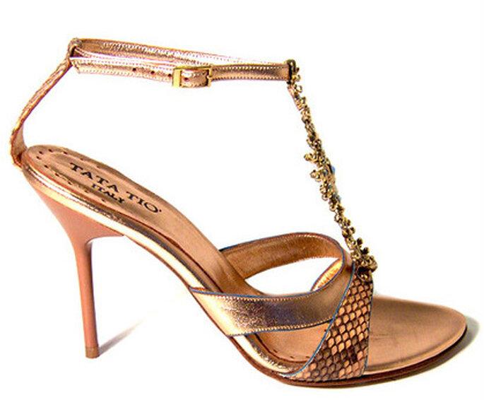 Cynthia, con dettagli laminati e Swarovski sul collo del piede