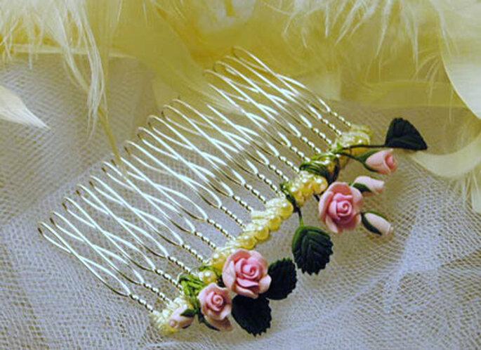 Kamm mit Blumenverzierung von Le Boudoir Vintage