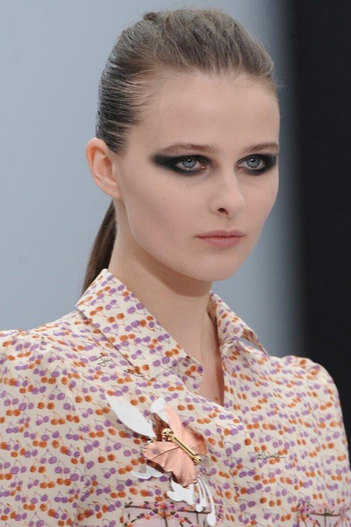 3 tendencias otoñales para delinearte los ojos - Foto: Celine