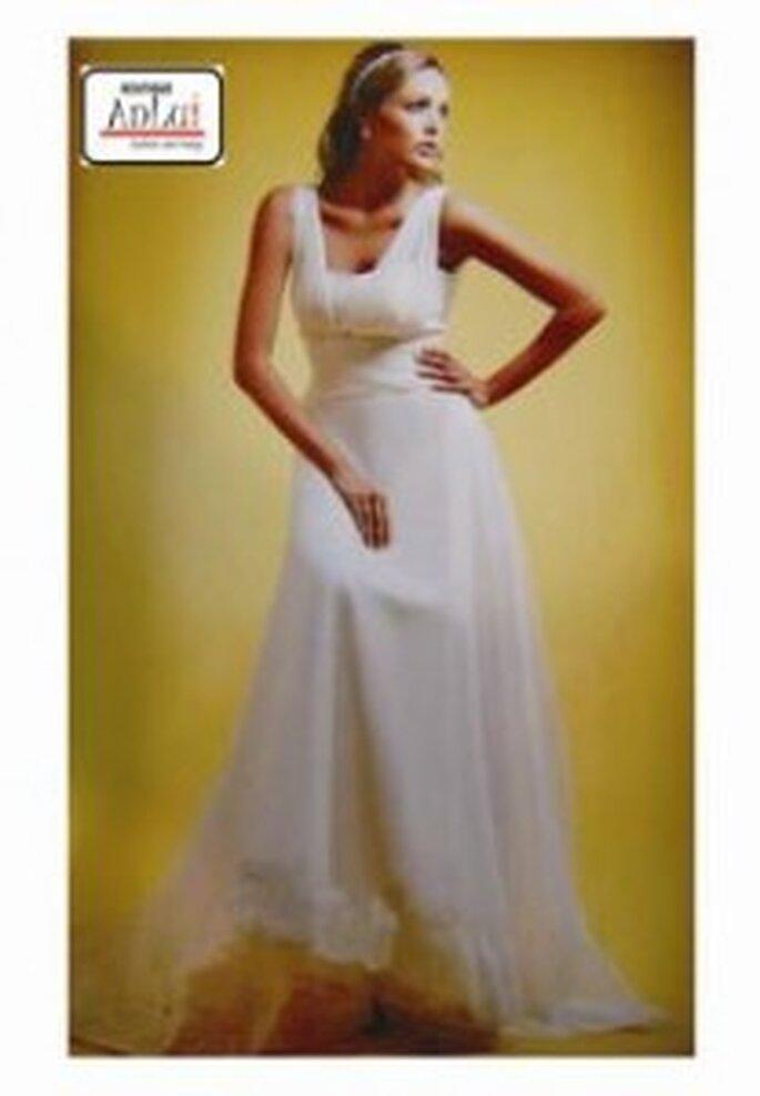 AnLuí también cuenta con un catálogo de vestidos para la ceremonia civil