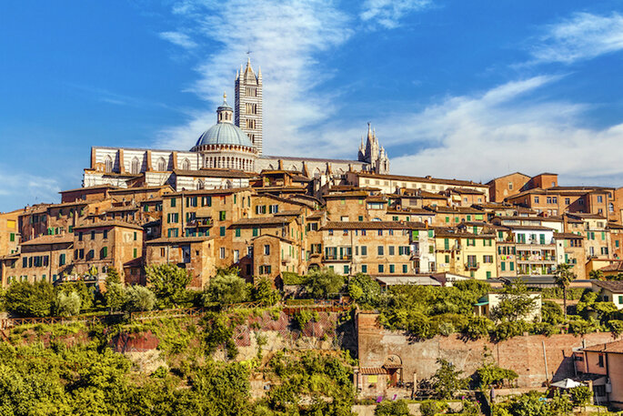 10 de las ciudades más románticas en Italia para tu luna de miel (Siena) - Shutterstock